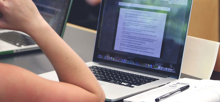 Online Tutoring Jobs: 10 Companies That Pay you to Help Students