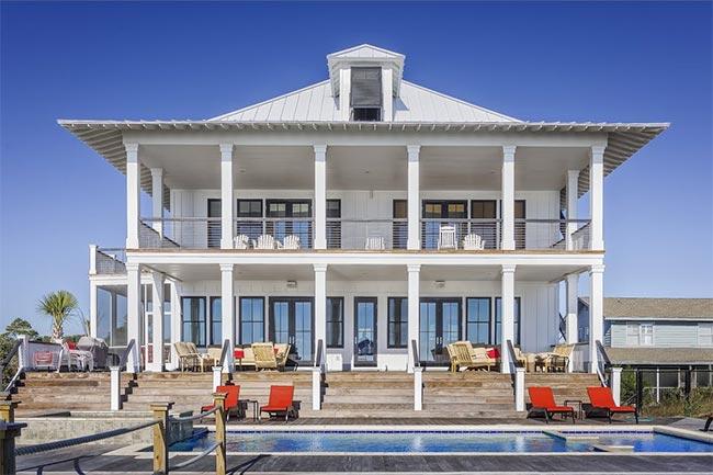 House sit mansion